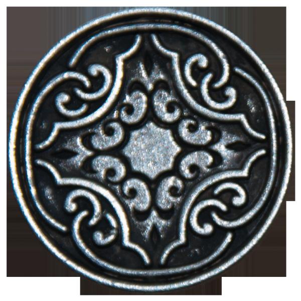 altsilberner Metallknopf mit Ornament