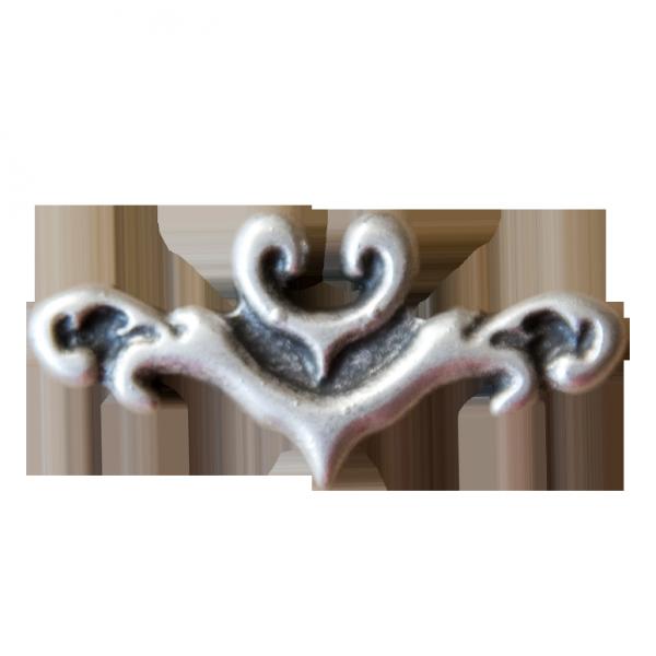 kleine altsilberne Zierniete mit Ornament