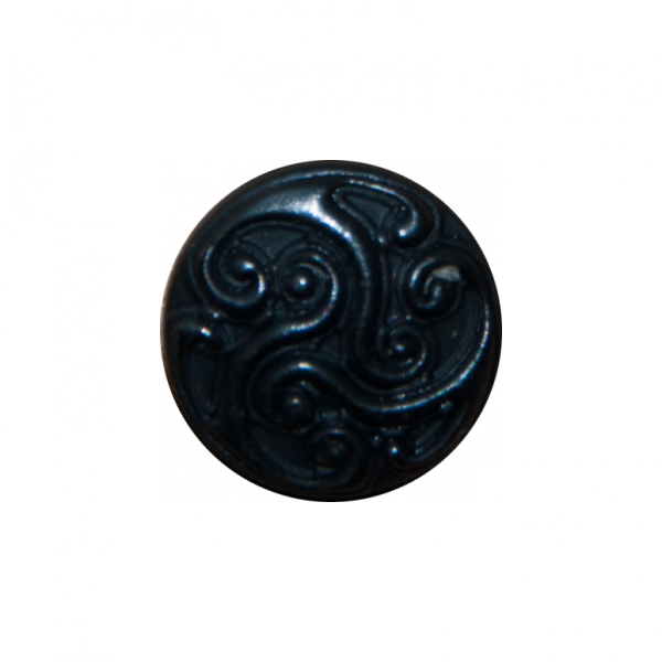 schwarz-messingfarbene Zierniete mit Triskele